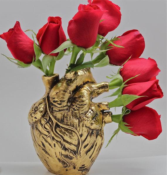 Blue Bayer's anatomical heart vase in gold
