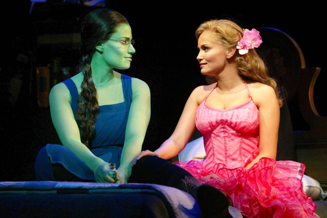 Entertainment Weekly Chenoweth Menzel reunite for Wicked